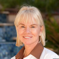 Dra. Lori Arnold