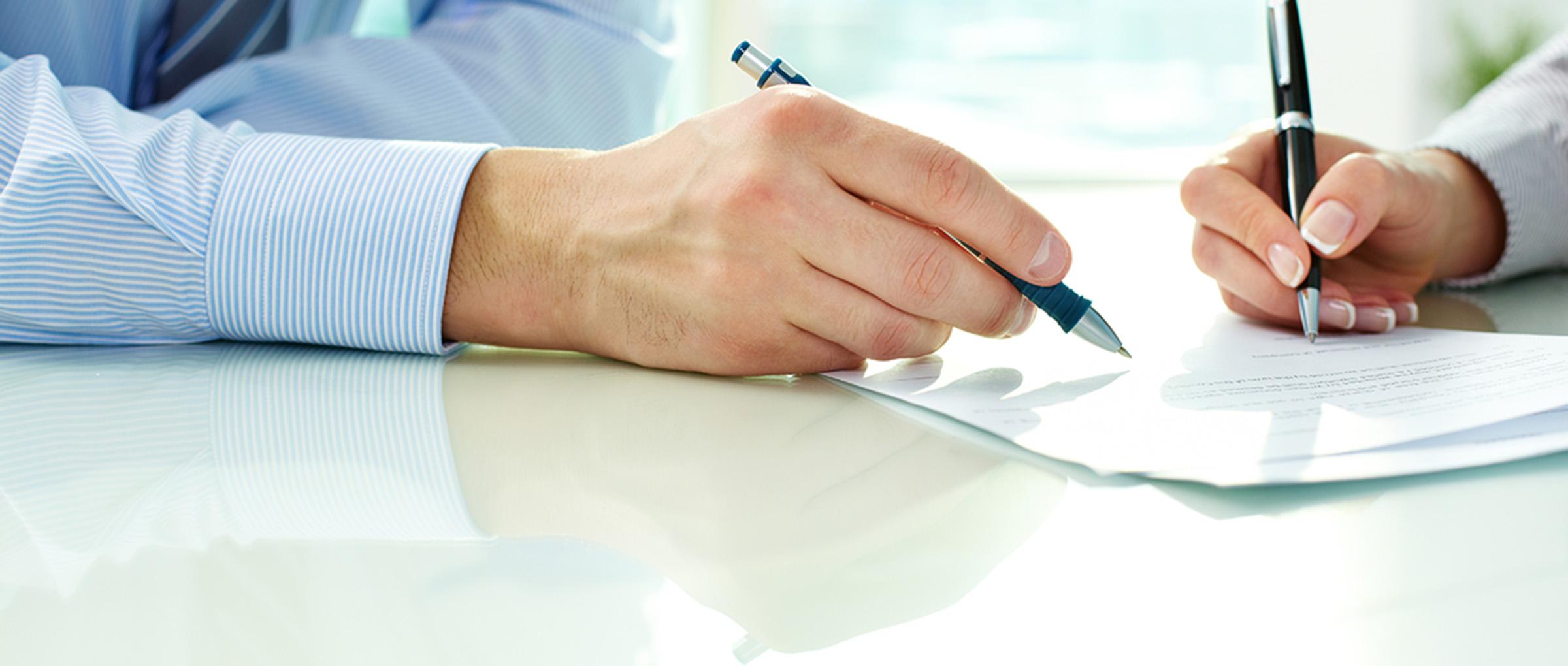 Contrato con una agencia de gestación subrogada en California