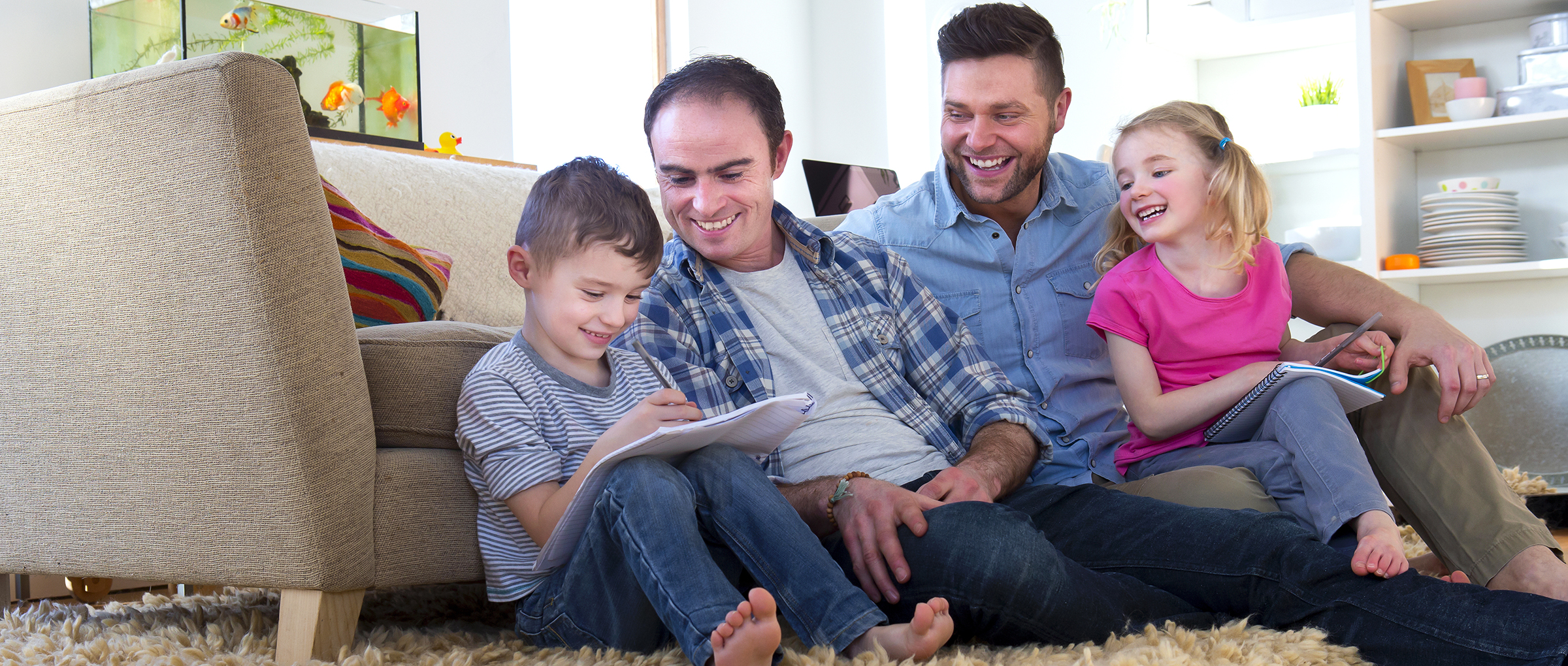 Paternidad homosexual, ¿a favor o en contra?