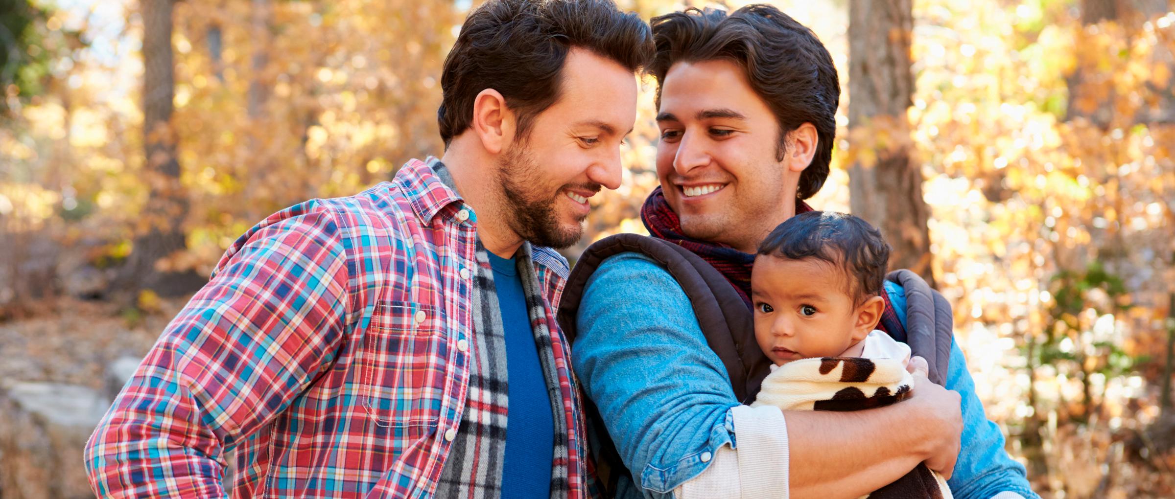 Adopción de niños por parejas gay